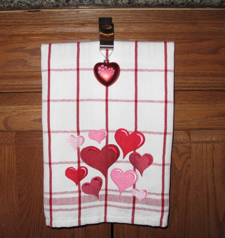 Free machine embroidery heart free embroidery patterns - Free embroidery designs for kitchen towels ...
