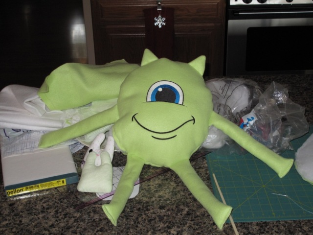 ?Urban Threads Monster sruffie in Progress