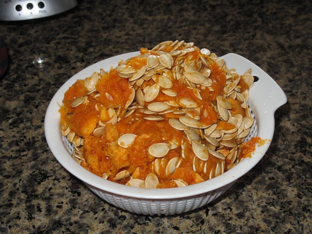 how to prepare pumpkin seeds before baking