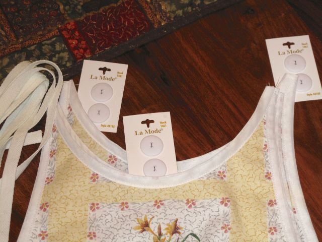 MG Buttons on floral cotton apron